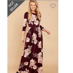 Cute wine colored floral maxi dress. NWT! ❤️